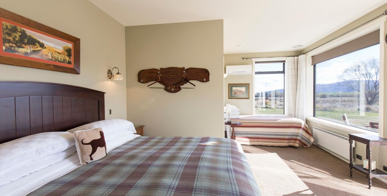 ST Bathans Room | Marchburn Country Lodge